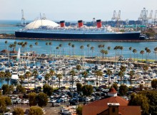 La Queen Mary nel porto di Long Beach.