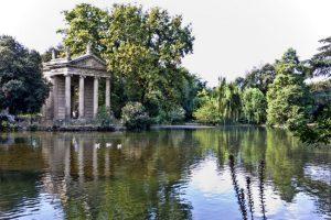Il tempio di Asclepio a Villa Borghese.