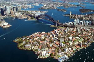 Vista di Sydney e la sua baia con Harbour Bridge.