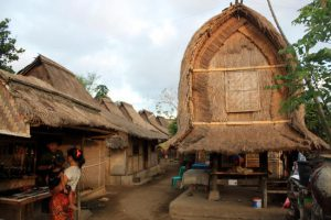 Un tradizionale villaggio Sasak a Lombok.