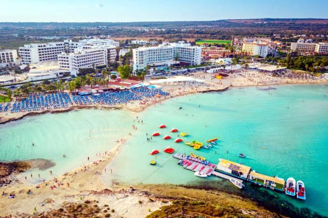 La spiaggia di Nissi ad Ayia Napa.