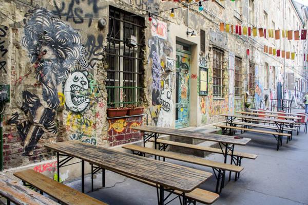 Street art in Rosenthaler Stasse a Berlino.