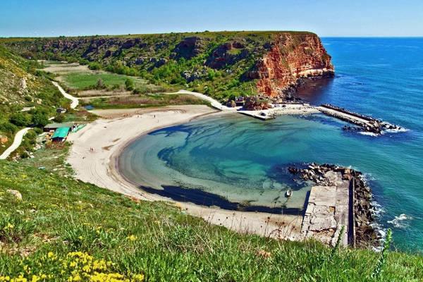 La spiaggia di Bolata è una fantastica insenatura naturale.