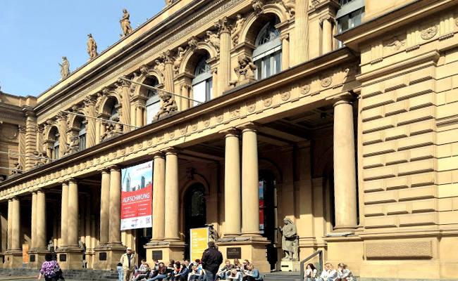 L'edificio della Borsa di Francoforte.