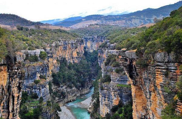Il canyon di Osumi, ideale per escursioni nella natura in vacanza.