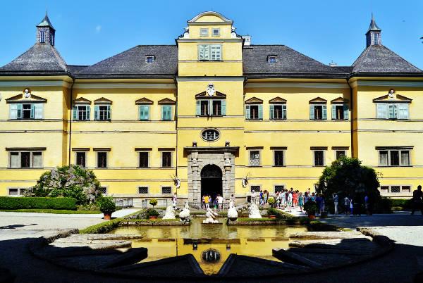 Il castello di Hellbrunn a Salisburgo.