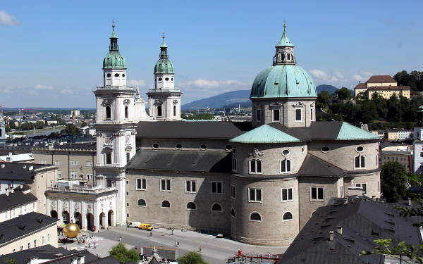 La Cattedrale, uno dei luoghi da vedere a Salisburgo.