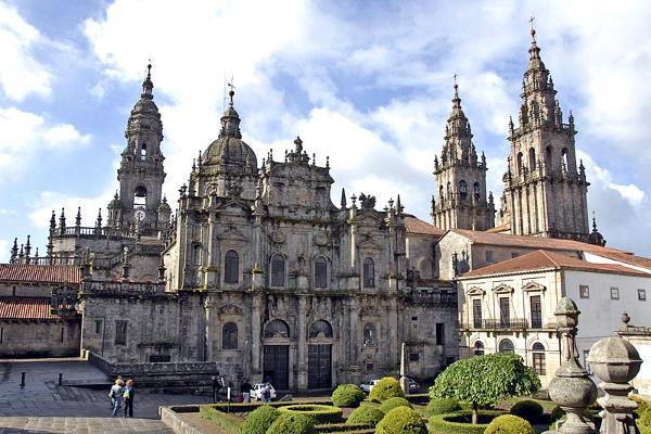 La Cattedrale di Santiago de Compostela in Spagna.