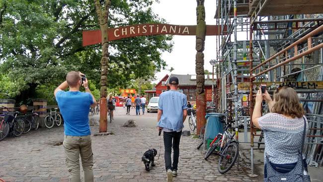 Christiania, una zona di Copenhagen autogestita dai suoi abitanti.