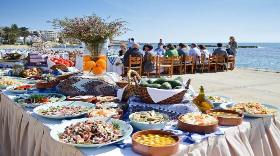 L'ospitalità e la cordialità della gente di Cipro è quella tipica dei popoli del Mediterraneo.