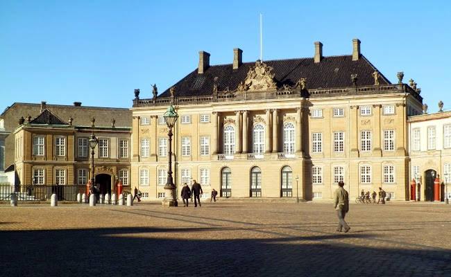 Il Palazzo di Amalienborg a Copenhagen.