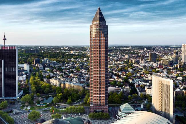 La MesseTurm di Francoforte, la Torre della Fiera dove si svolgono molti eventi in città.