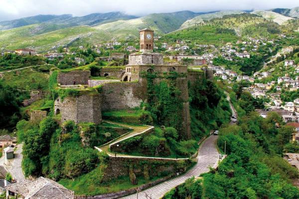 La magnifica Gjirokastra in Albania.
