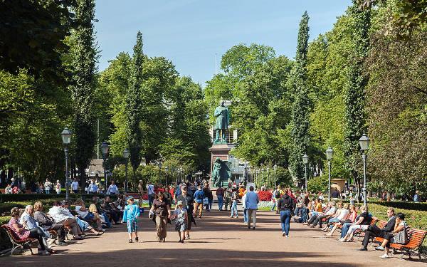 Il parco Esplanadi a Helsinki.