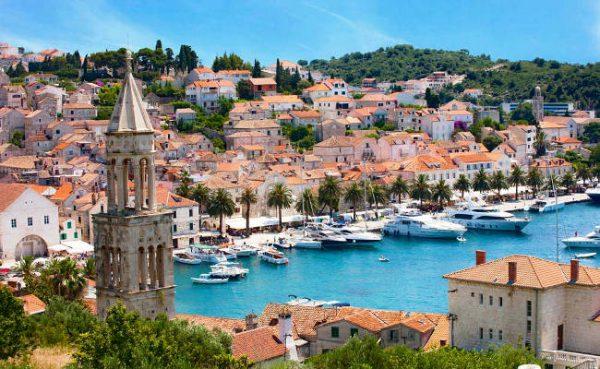 Porto dell'isola di Hvar in Croazia.
