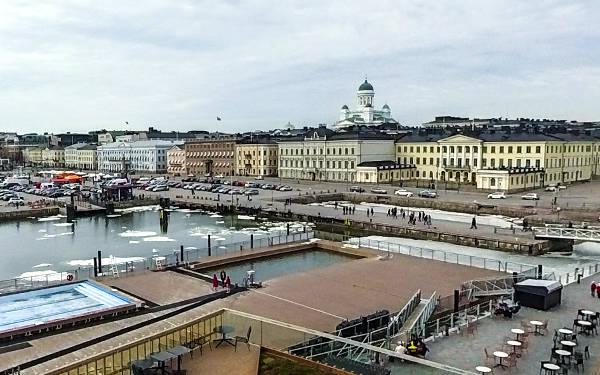 Kauppatori, la piazza del mercato di Helsinki.