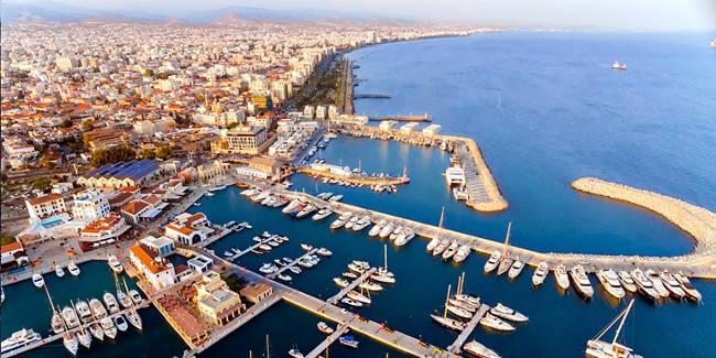 Il porto della splendida città di Limassol a Cipro.