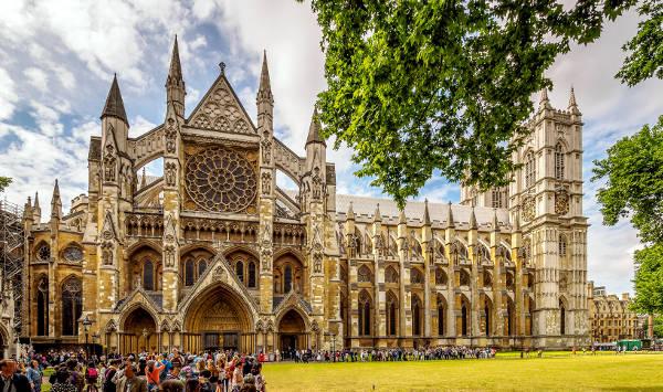 Abbazia di Westminster a Londra, uno dei monumenti da vedere.