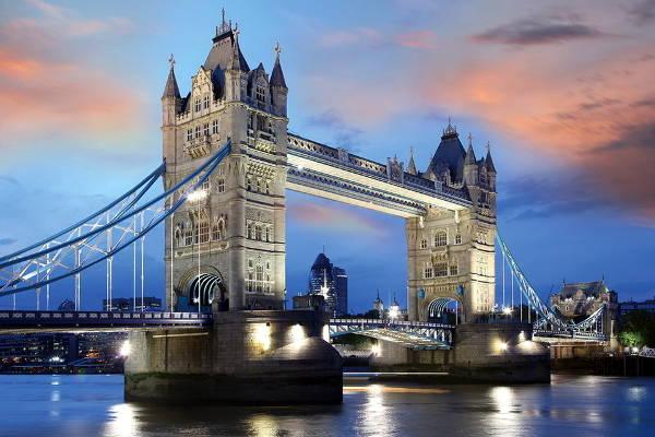 Tower Bridge, una delle attrazioni più caratteristiche e amate di Londra.