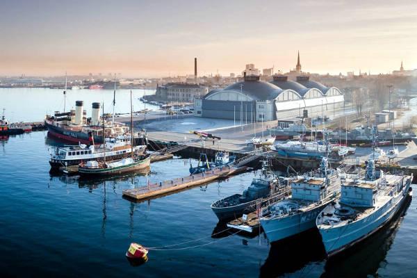 Il museo marittimo nel porto di Tallinn.