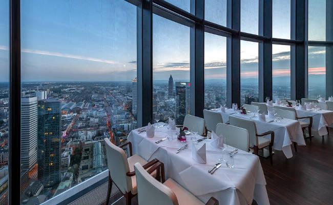 La vista dal magnifico ristorante nella Main Tower di Francoforte.