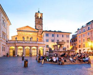 Roma, Piazza di Santa Maria in Trastevere.