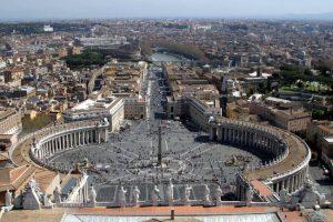 Vista di Piazza San Pietro a Roma.