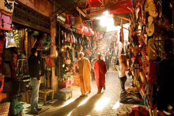 Souk di Rabat in Marocco per comprare prodotti locali.