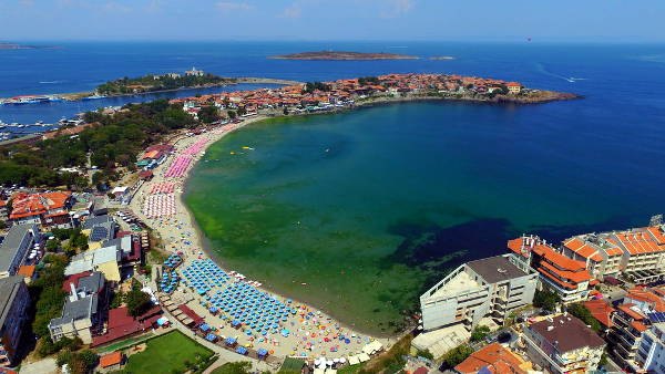 La pittoresca Sozopol con le spiagge sul Mar Nero.