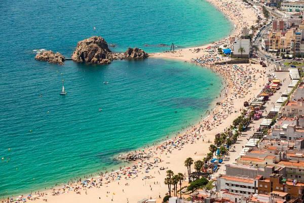 Spiaggia di Blanes in Costa Brava, Spagna.