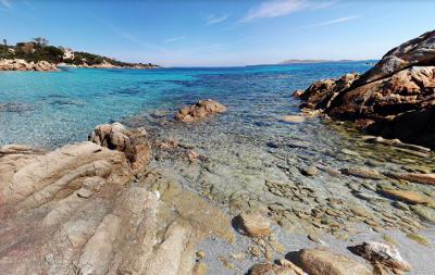 La spiaggia di Capriccioli in costa Smeralda, Sardegna nord-est.