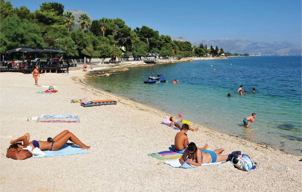 spiaggia a Kastel Stari vicino Spalato.