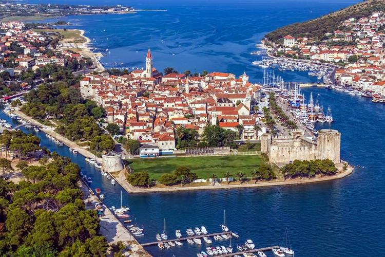 Trogir in Croazia sulla costa della Dalmazia.