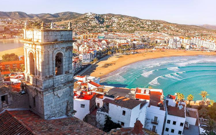 Valencia in Spagna, con la sua costa e la spiaggia.