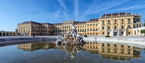 Il palazzo di Schoenbrunn a Vienna.